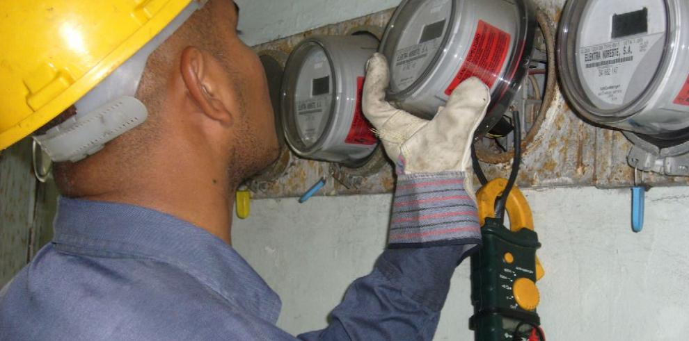 Alto consumo lidera quejas por servicio de electricidad