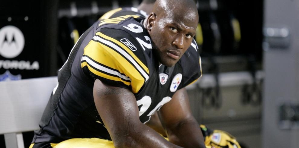 Patriots firman al liniero Harrison dejado por Steelers para reforzar defensa