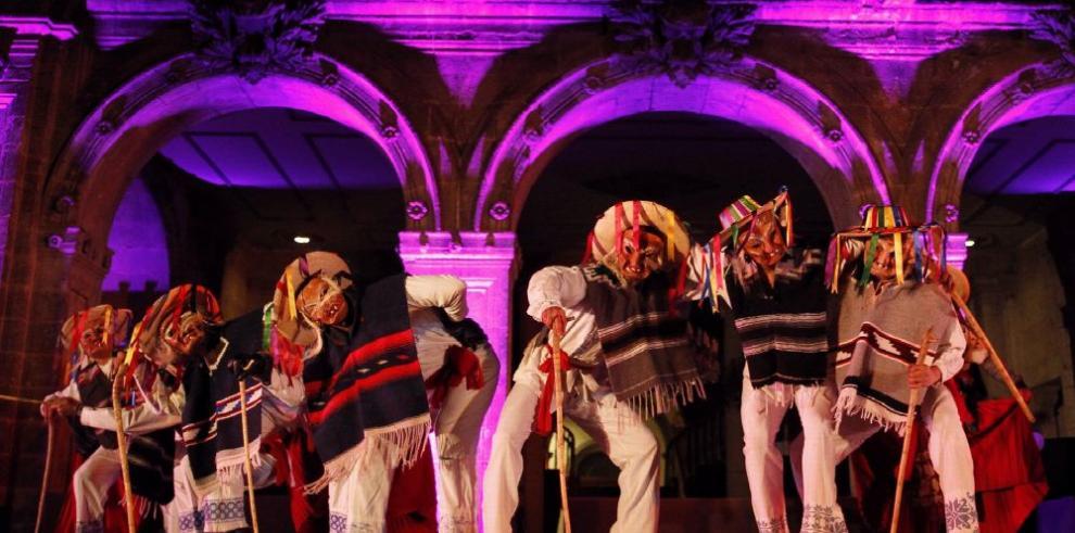 Ballet folclórico mexicano celebra la Navidad