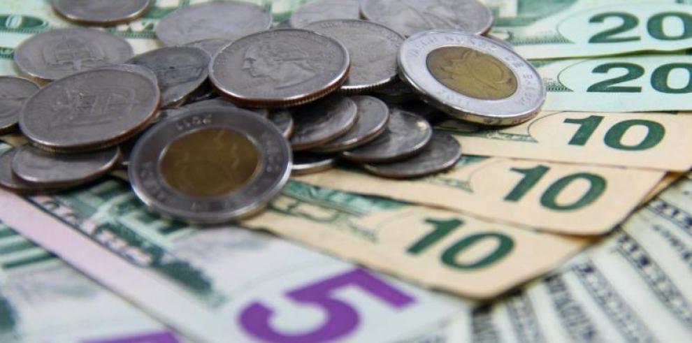 Gobierno aprueba ajuste de 6.5% al salario mínimo