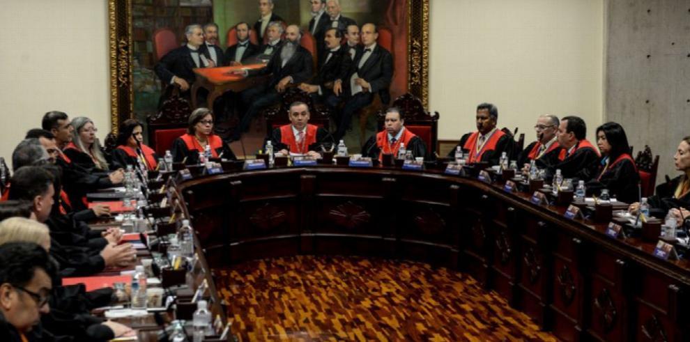 Supremo venezolano pide reunión de poderes tras atentado