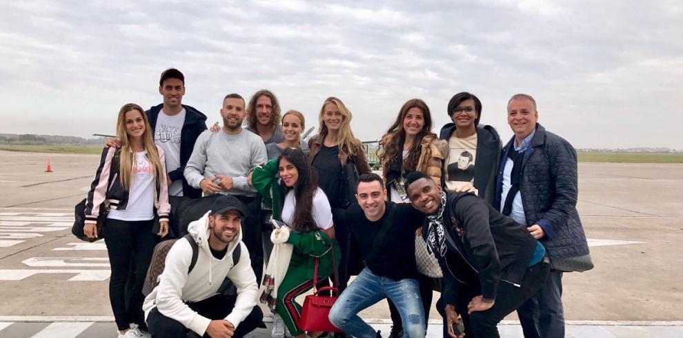 Puyol, Busquets y Xavi llegan a Argentina para asistir a la boda de Messi