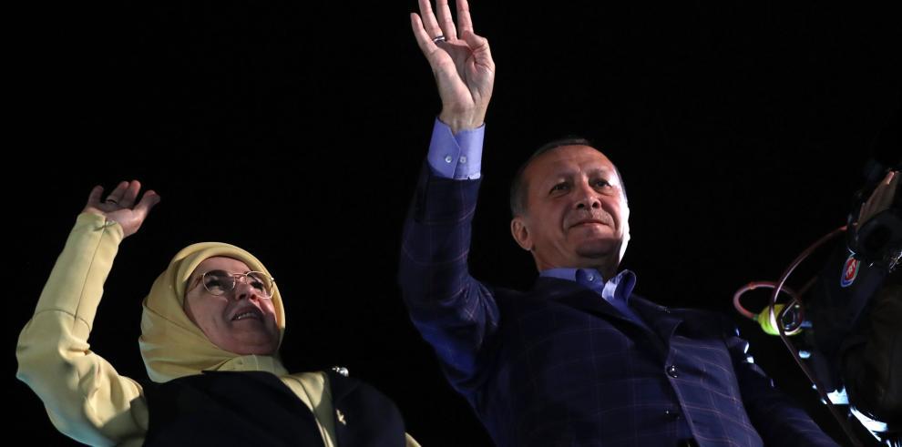 Erdogan proclama triunfo del