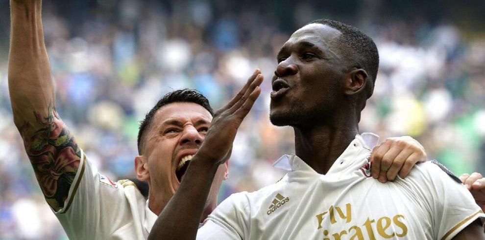 Juventus se afianza en la punta y Milan iguala con Inter en el derbi