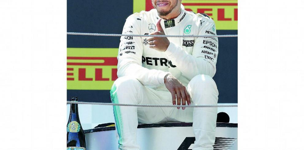 Hamilton, en contra de alargar al temporada
