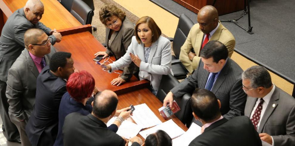 Diputados pactan en $12 millones el tope de donaciones privadas