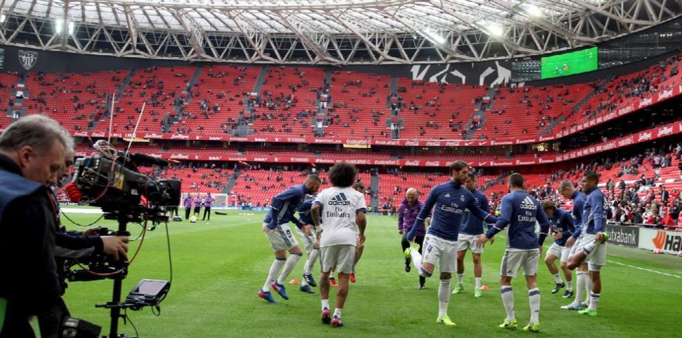 Real Madrid defiende la punta ante el Alavés