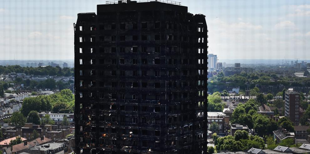 Se elevan a 58 los muertos en el incendio de Londres