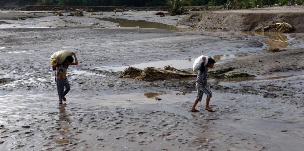 La tormenta Tembin cobra más de 130 vidas en Filipinas