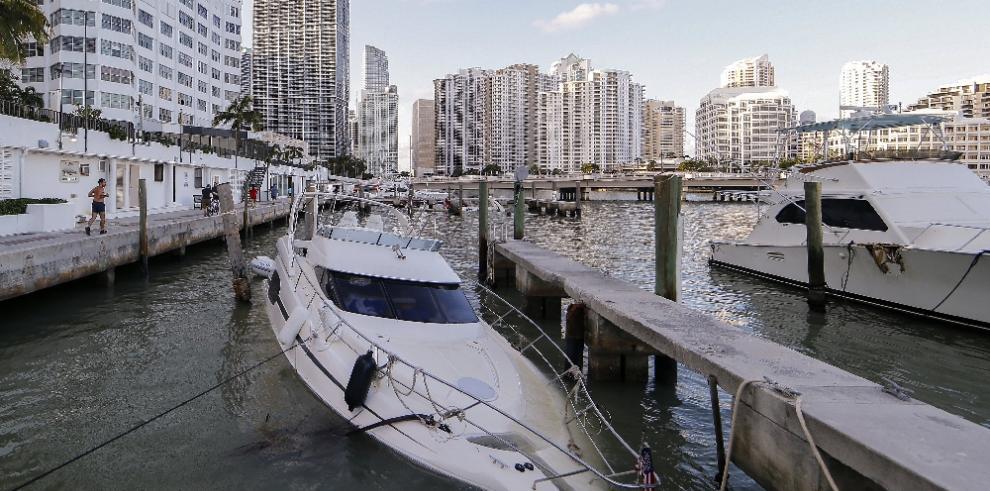 Miami Beach reabre tras cierre impuesto por autoridades por paso de Irma