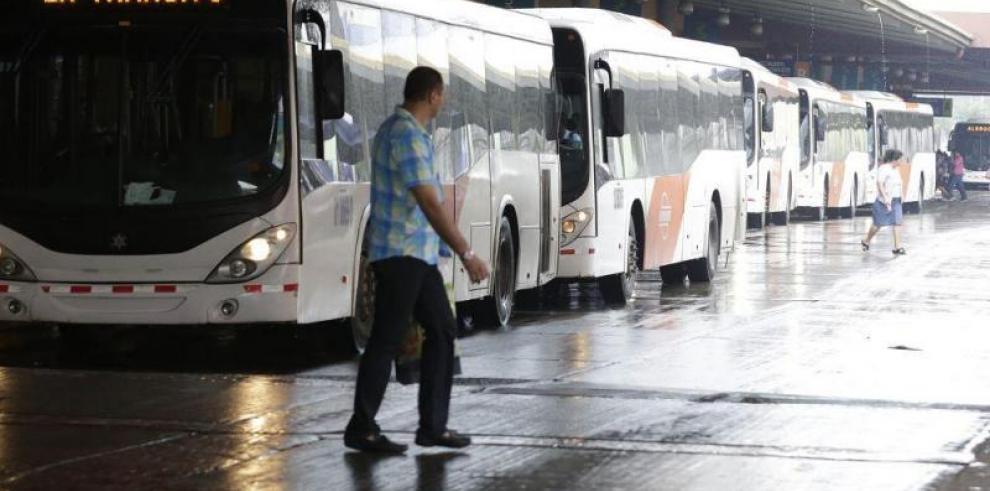 Consejo de Gabinete aprueba contrato para adquirir 203 buses