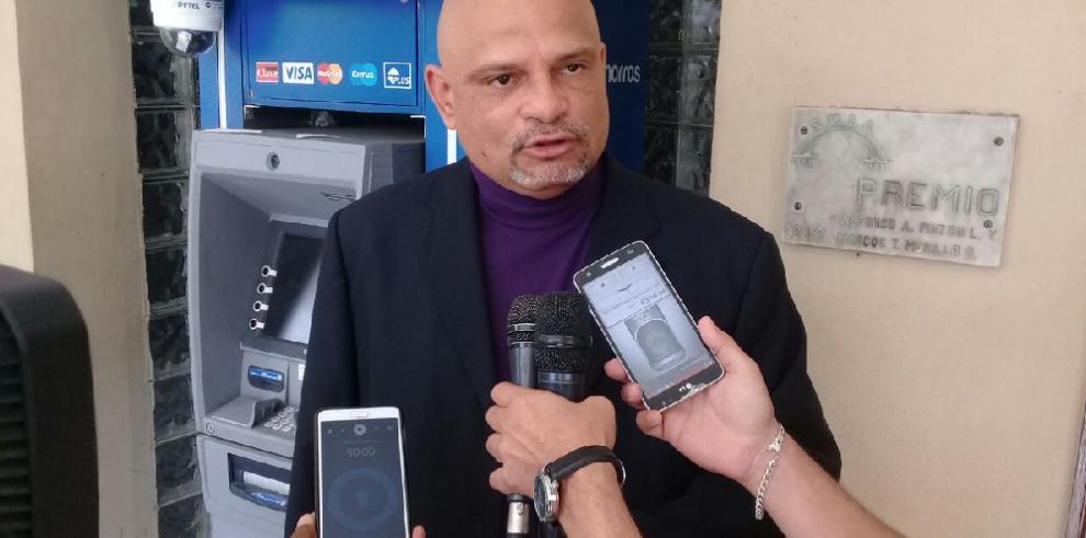 Ernesto Cedeño presenta denuncia contra presidente de la Asamblea