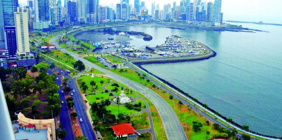 FMI baja a 5.1 % previsión de crecimiento de Panamá