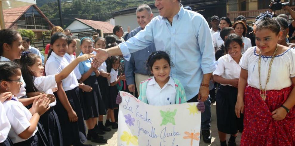 Varela inaugura nueva escuela en Chiriquí
