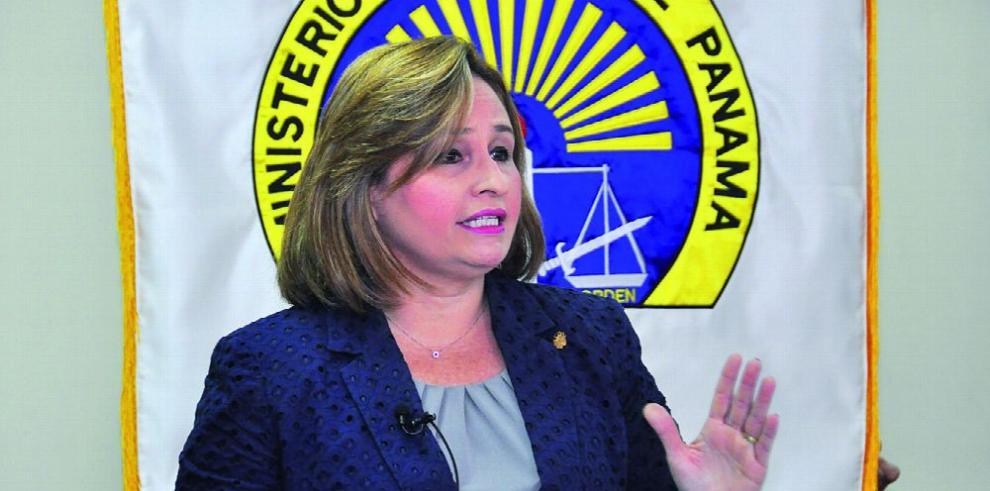 'No se puede culpar al resto de nuestros errores', dice abogado Luis Cabezas