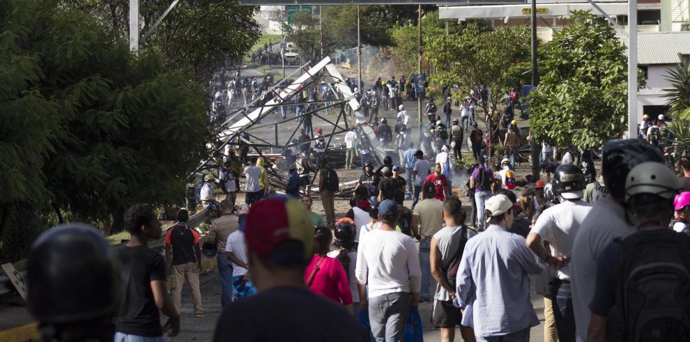Oposición venezolana aplaza la marcha contra la Constituyente