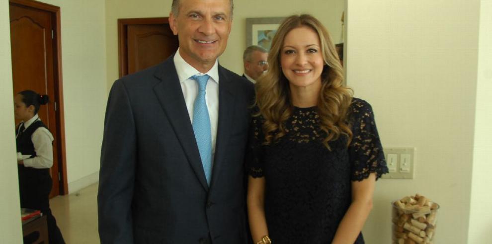 Chile agasaja a nuevo embajador