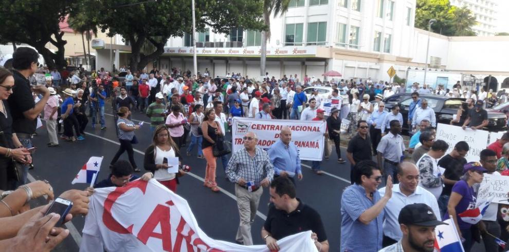 Panameños protestan contra la corrupción