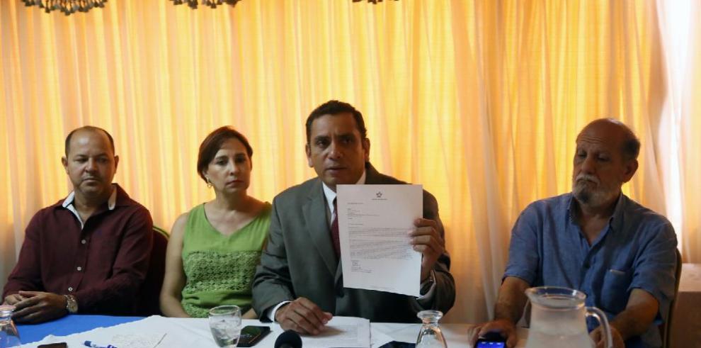 Sindicatos del Canal piden investigar al ministro Roy