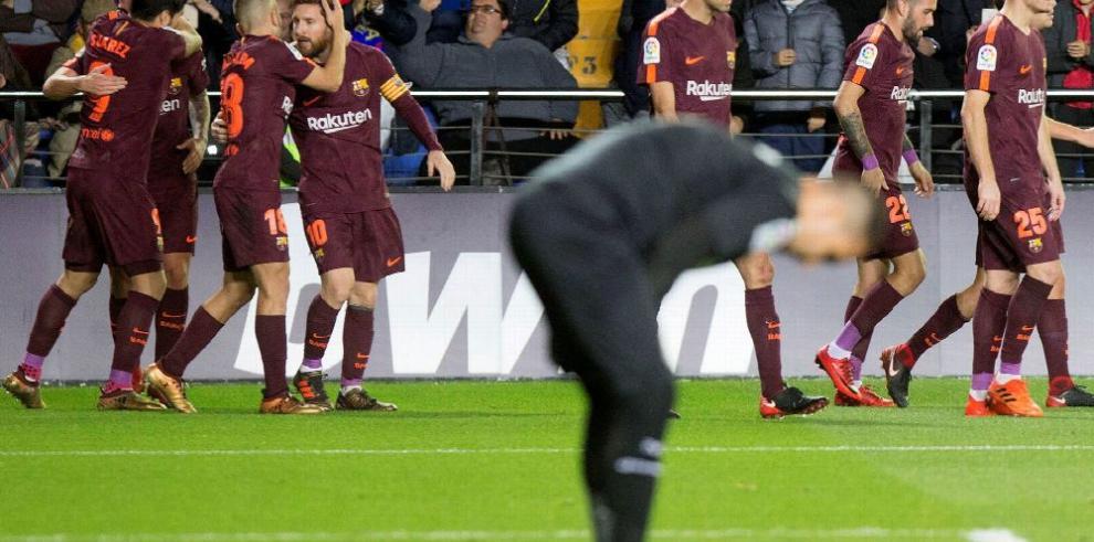 Messi mantiene al Barça en lo más alto