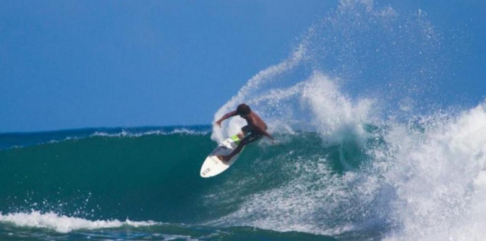 El surf hace su debut en los Juegos Centroamericanos