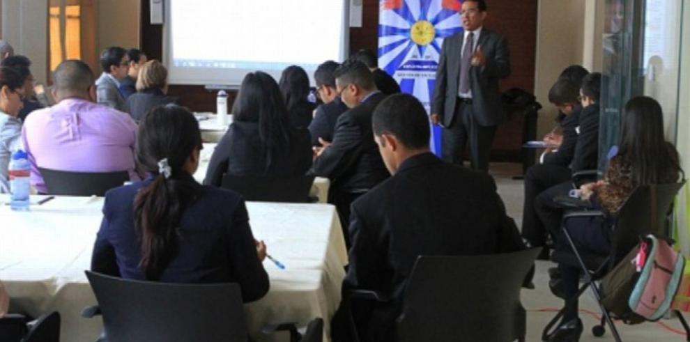 Se inicia la preparación en carrera diplomática