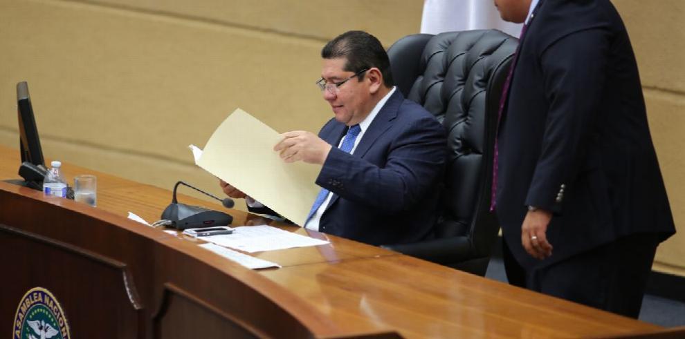 De León presentará iniciativa para que se elijan diputados provinciales