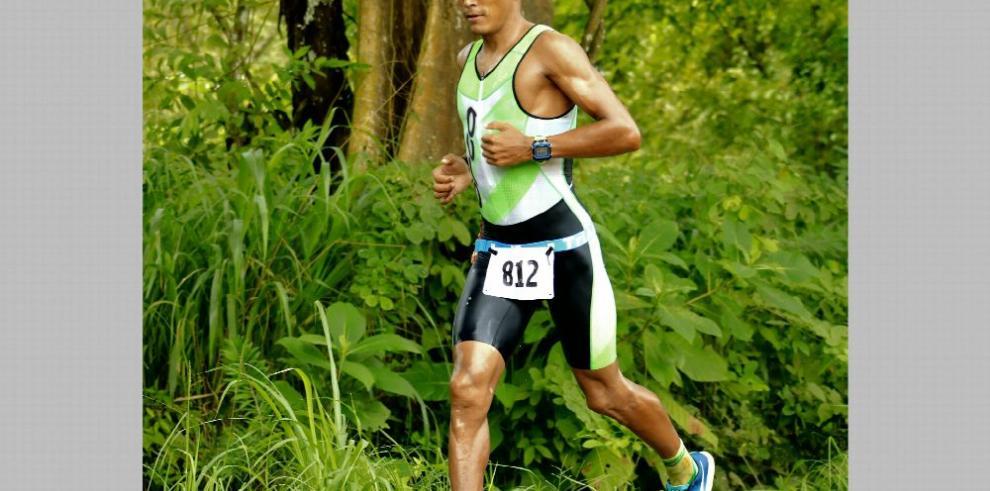 Villalta brilló en el triatlón