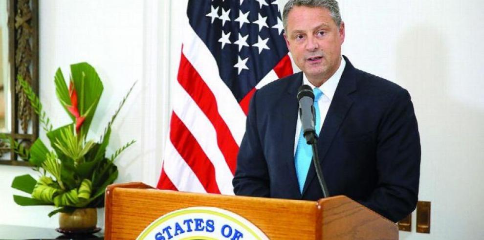 El embajador de EEUU felicita a los panameños