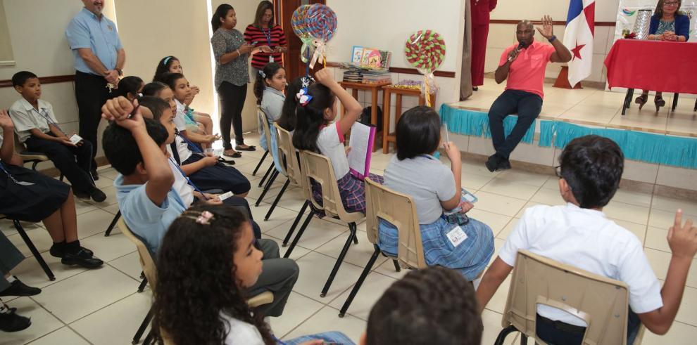 Niños de San Miguelito exponen problemas y soluciones en el distrito