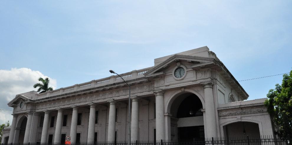Crean los patronatos del Museo Reina Torres de Araúz y del Teatro Nacional