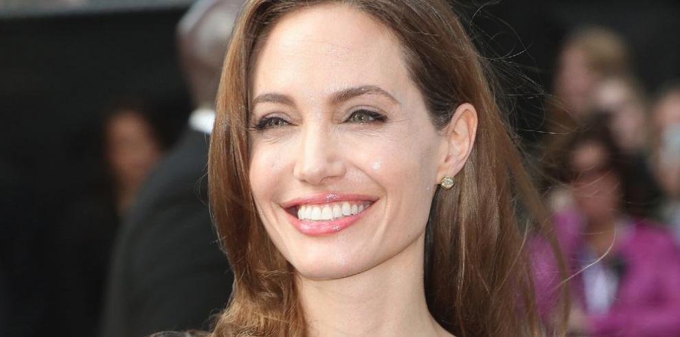 No concibe ser actriz sin su trabajo humanitario