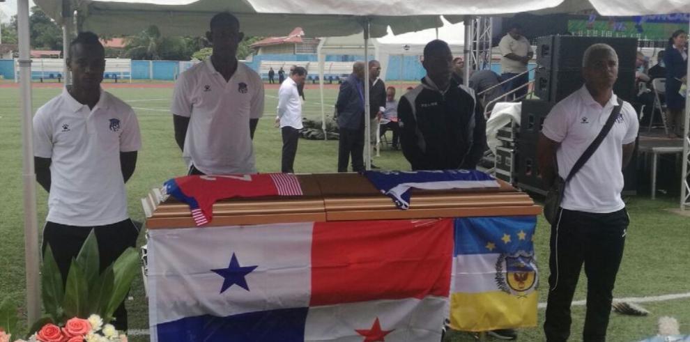 El fútbol panameño le dice adiós a Amilcar Henríquez