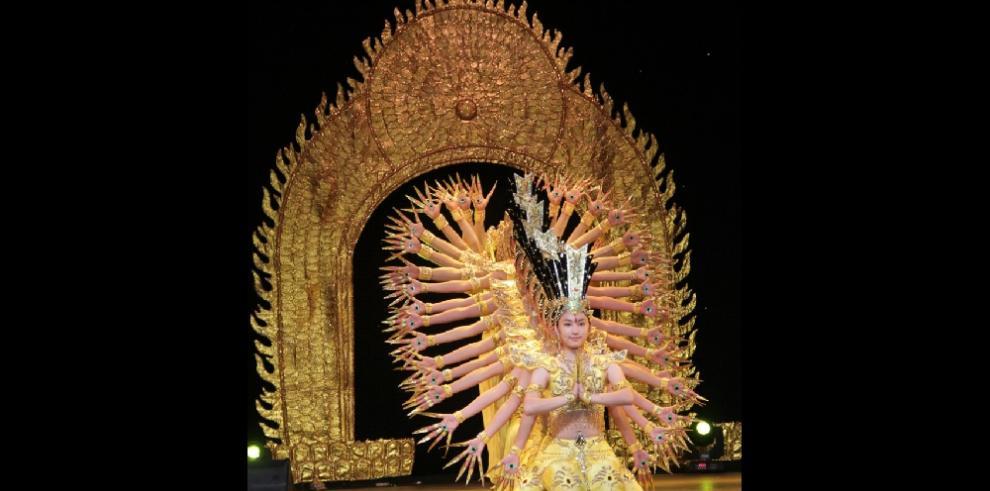 Exitosa presentación de bailarinas invidentes