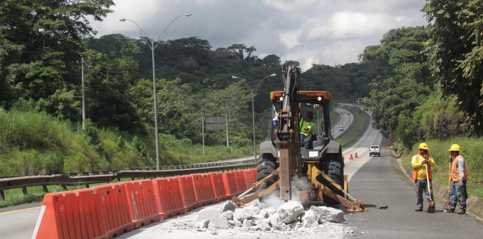 Se inician trabajos de reposición de losas en vía Centenario