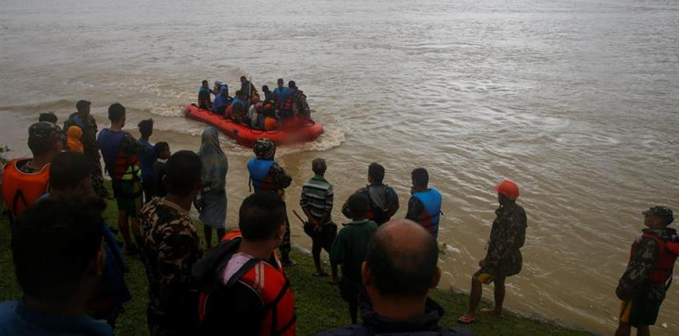 Más de 120 muertos por las inundaciones en Nepal