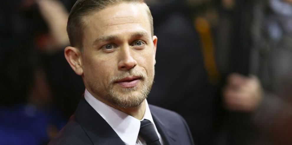 Hunnam se enamoró 'un poco' de Beckham