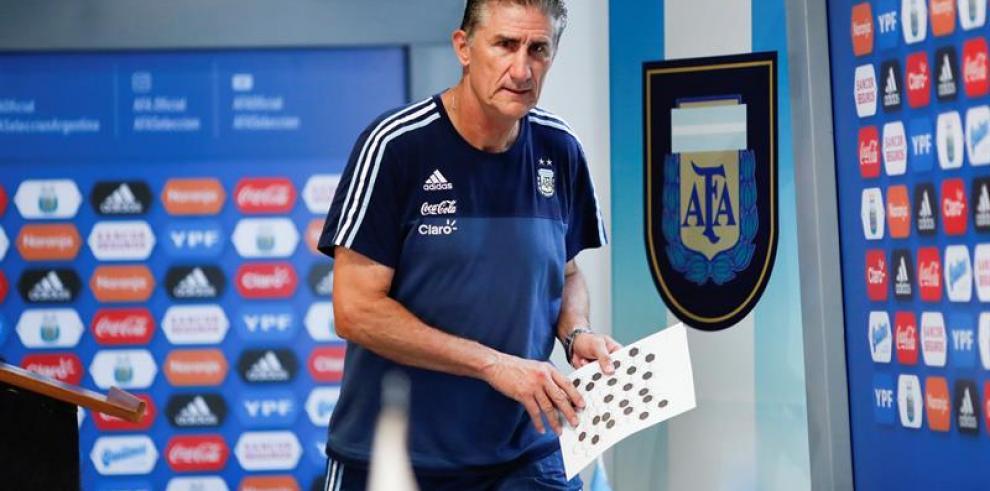 Bauza es despedido como entrenador de Argentina