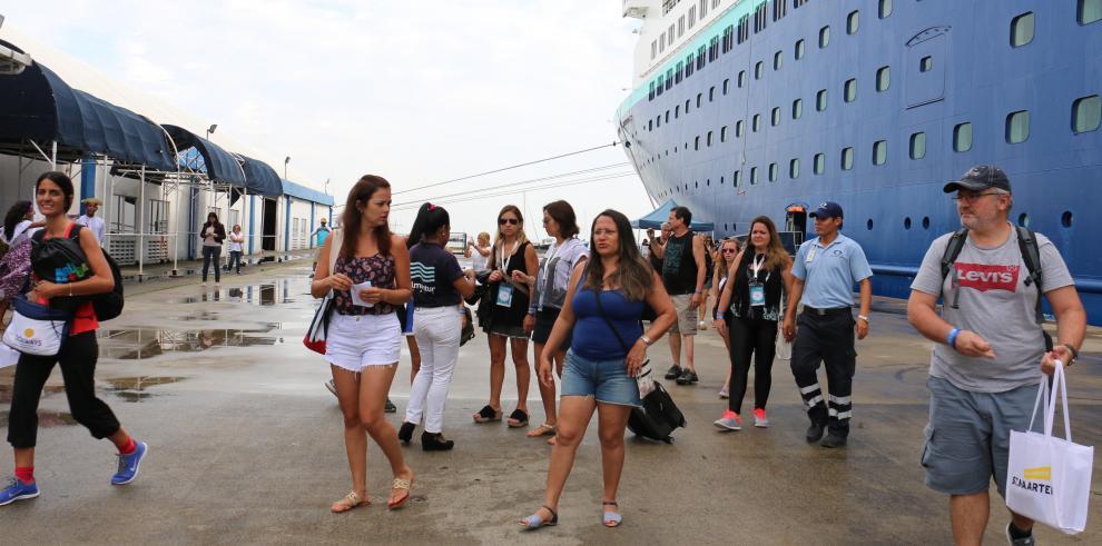 Más de 200 mil pasajeros desembarcan en Panamá, de enero a abril de 2017
