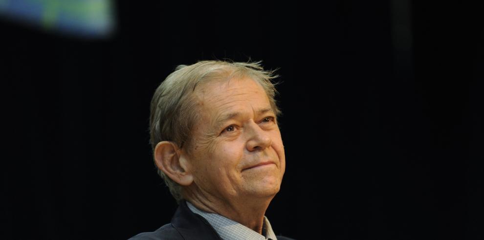 Richard Cooke, condecorado por el Reino Unido por su aporte a la investigación