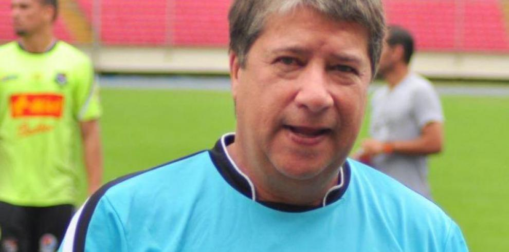 Técnico de Panamá satisfecho con rivales en Mundial de Rusia 2018