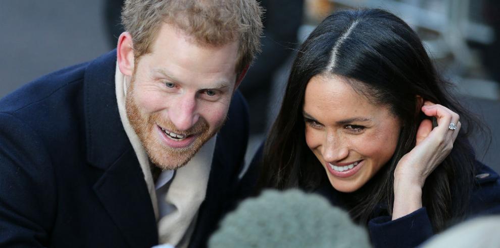 Markle hace su primera aparición pública como prometida del príncipe Enrique