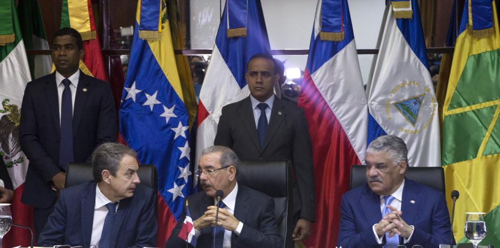 Gobierno y oposición venezolana reanudan el diálogo en Santo Domingo