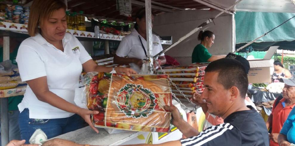 El IMA realiza Naviferias en distintos puntos del país