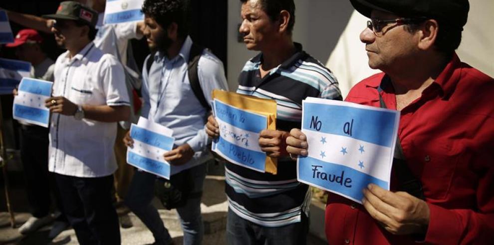 Zelaya convoca protestas en Honduras mañana por un supuesto fraude electoral