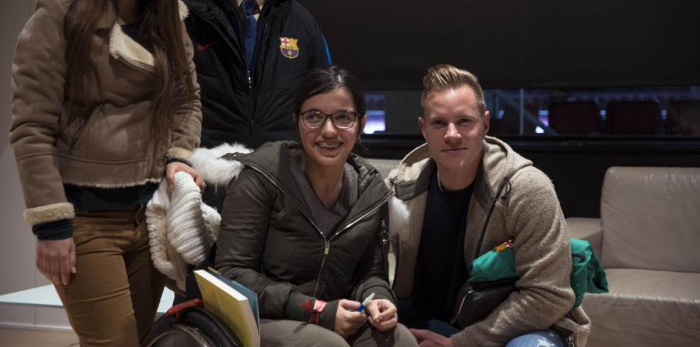 Nujeen Mustafá la refugiada Siriaqueinspira la campaña de Navidad del Barça