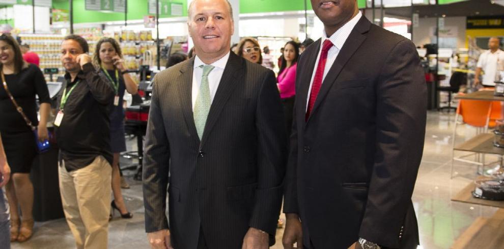 Súper Xtra abre nueva sucursal en Albrook Mall