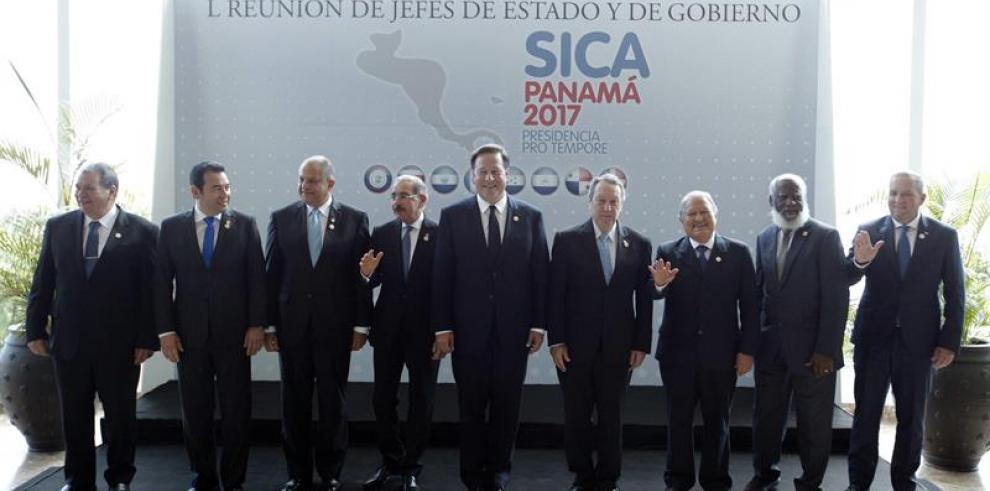 Presidentes centroamericanos piden solución pacífica a la crisis de Honduras