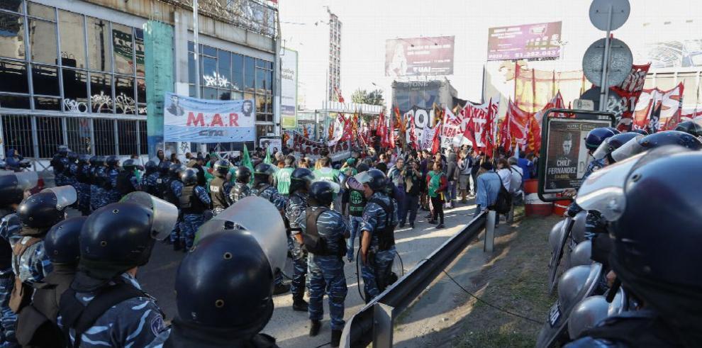 Sindicatos se plantan ante Macri con huelga general