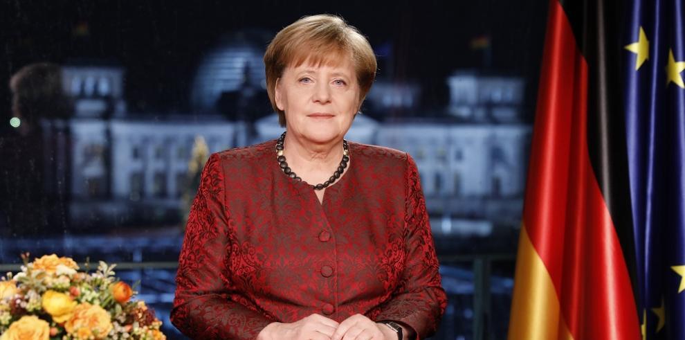 Merkel llama por Año Nuevo a superar la división en la sociedad alemana